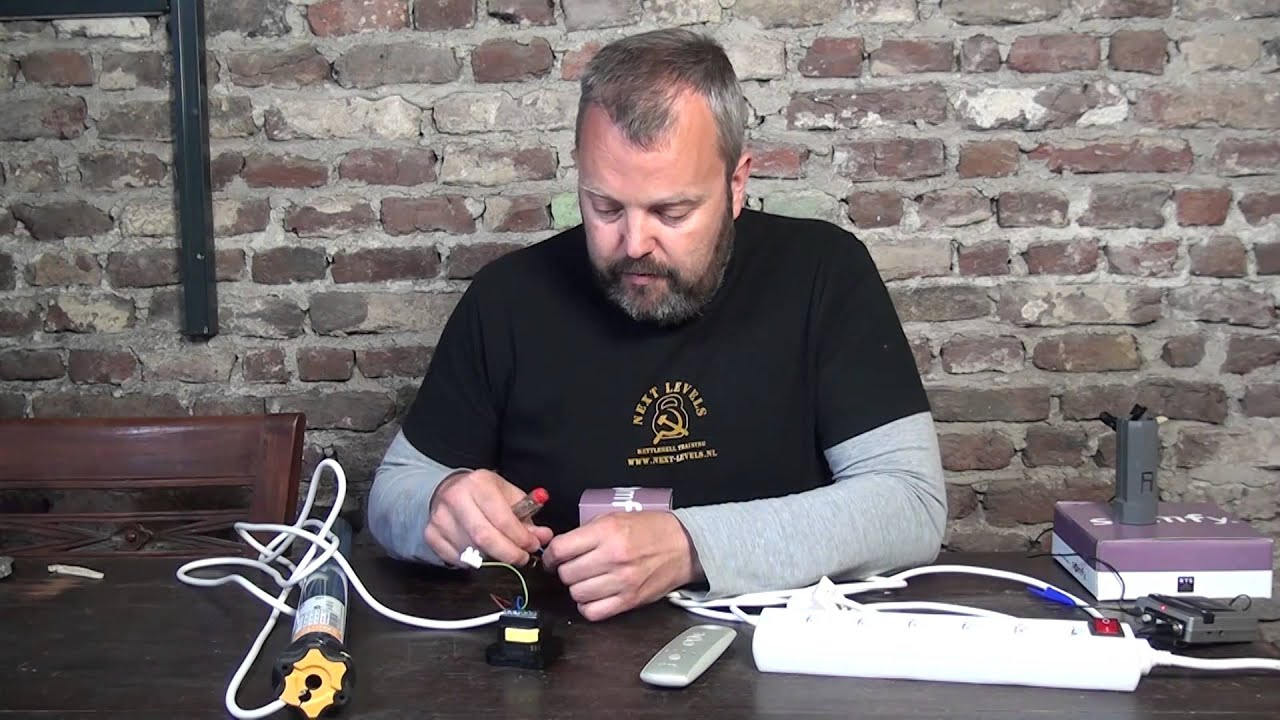 How To Wire And Program The Somfy Centralis Indoor Rts Youtube Motor Wiring Diagram