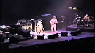 1995-10-21 - Pershing Auditorium - Second Set