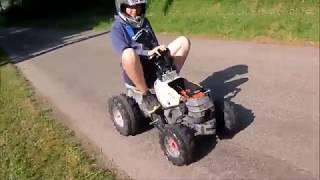 tracteur à pédale avec un moteur de tronçoneuse