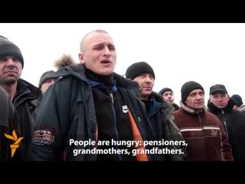 Ukrainian Prisoners Abandoned By Their Guards