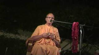 BB Govinda Swami - Jay Govinda Jay Gopal - Vrindavan kartik 2009 - Part 1/2