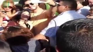 سعد المجرد يرقص في الشارع العام رفقة المعجبين التونسيين