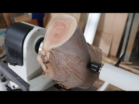 Wood Turning a Weird Log into a Bowl