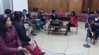 Download Pheri Aayo Tyo Kaalo Raat - Performance in Radio Nepal by Juna Prasai