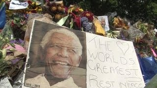 Bikers and veterans pay tribute to Nelson Mandela