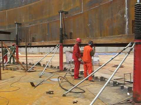 hydraulic jacks for tank construction
