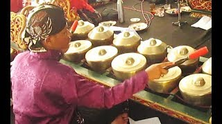Ladrang GEGER SEKUTO / Javanese Gamelan Music Jawa / Karawitan NGESTI LARAS [HD]