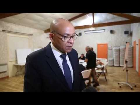 Le préfet de la Charente auprès des victimes des orages de grêle