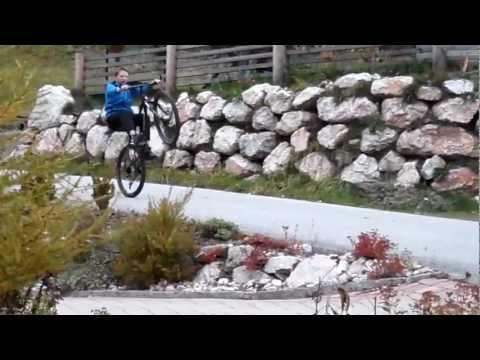 Wheely mit Mountainbike (130 Meter)