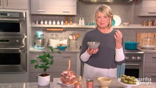 Martha Stewarts Trick To Make Cookies Perfectly Round | Martha Bakes | #Shorts