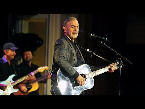 Neil Diamond says he's been diagnosed with Parkinson's disease