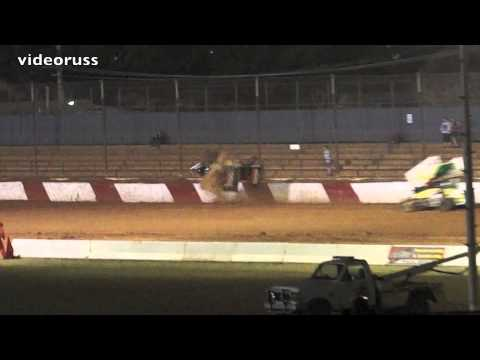 Valvoline Raceway 09-11-13 - Toby Bellbowen Crash