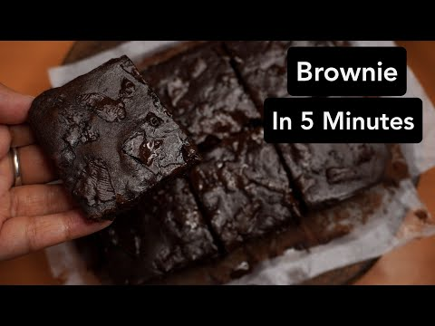 brownie-in-microwave-oven-(no-convection-mode)- -eggless-chocolate-brownie-in-5-minutes