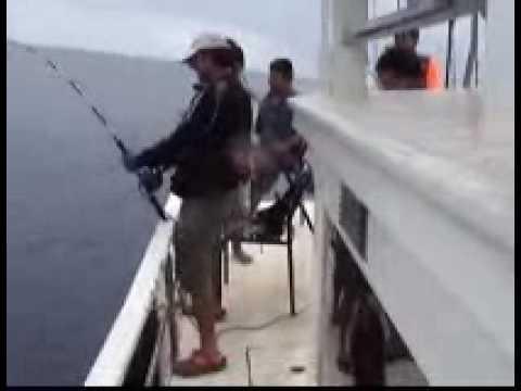 พิชิตปลาเก๋าดำทะเลน้ำลึก300เมตร.wmv