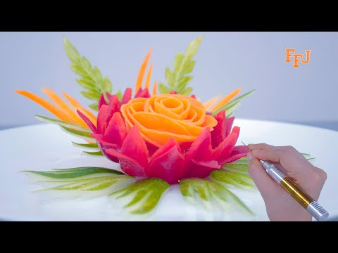 Put These Pieces Of Carrot Into The Carved Bell Pepper & You'll Have Artistic Flower Arrangement