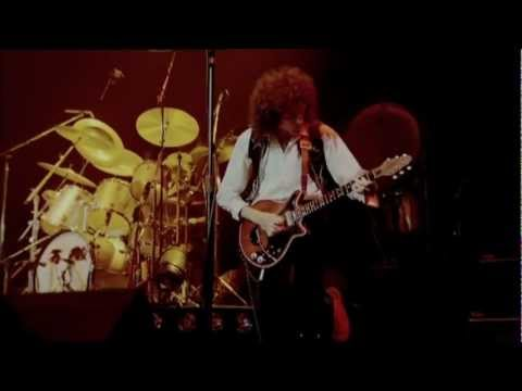 Queen Let Me Entertain You (Live Rock Montreal HD)