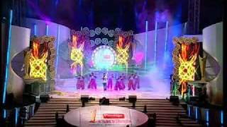 Bala Performs at the TTK Prestige Vanitha Film Awards 2011