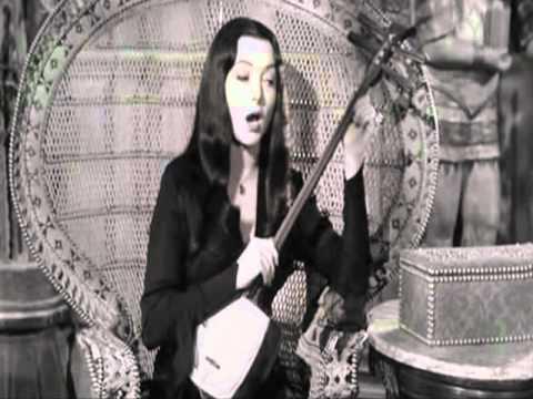 Morticia AddamsCarolyn jones Sings us!