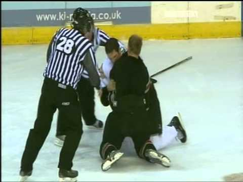 Chris McAllister vs Jeremy Cornish EIHL fight 26-10-08