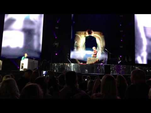 Ed Sheeran & Chris Martin -- Thinking Out Loud (Boston 4K)