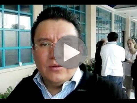 El periodista Jesús Martín Mendoza saluda a lectores de Yo Influyo