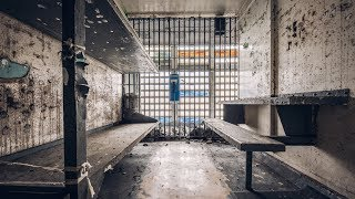 Exploring Old Abandoned Jail - Found Inmate Jumpsuits