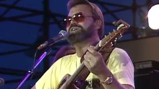 Glen Campbell - Southern Nights (Live at Farm Aid 1985)