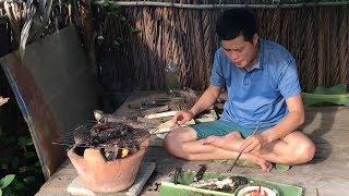 """Khương Dừa đi thăm """"12 cửa ngục"""" và tổ chức đại tiệc cá đồng hoành tráng"""
