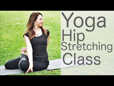 15-minute-yoga-quickie-hip-stretch-workout-|-fightmaster-yoga-videos