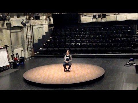 Ben ist mitten auf einer Bühne?! | Ben