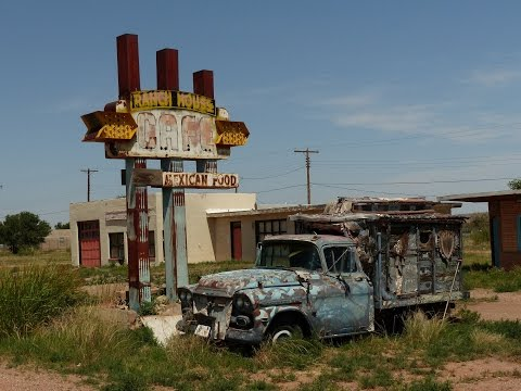 Tucumcari - Route 66 -  Abandoned motels, derelict vehicles
