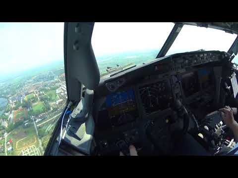 Boeing 737 MAX-9 Cockpit Takeoff and landing