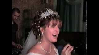 невеста поёт на свадьбе.  музыка и слова невесты))