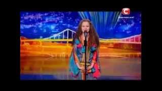 """طفلة مغربية تذهل الاوكرانيين برقصة """" الركادة """" في اوكرانيا غوت تالنت!!"""
