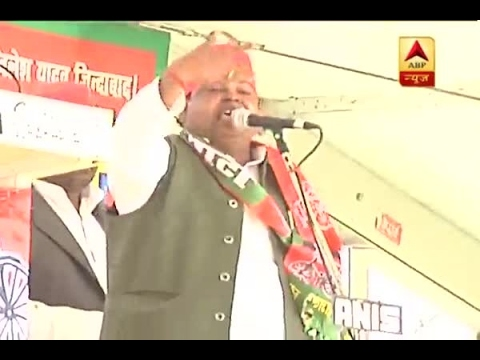 Accused of rape, Gayatri Prajapati turns emotional in Amethi rally