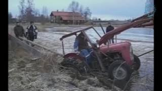 #Amazing amazing tractor accident, extreme tractor stuck in deep mud, big track john deere stuck in