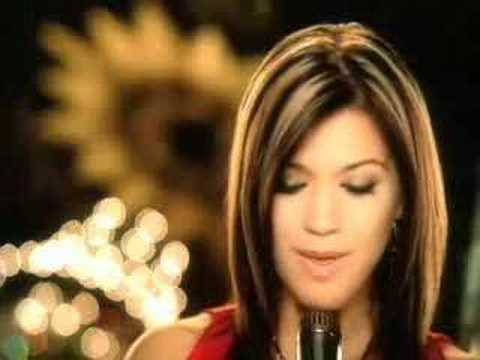 Kelly Clarkson//My Grown Up Christmas List - YouTube
