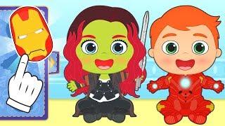 BEBES ALEX Y LILY Se disfrazan de superheroes de película💥 Gameplay para niños