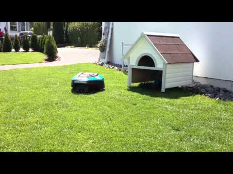 rasenm herroboter r40li parkt in garage. Black Bedroom Furniture Sets. Home Design Ideas