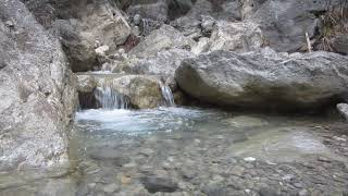 Горная речка, Beautiful relax video of a mountain river. Full HD