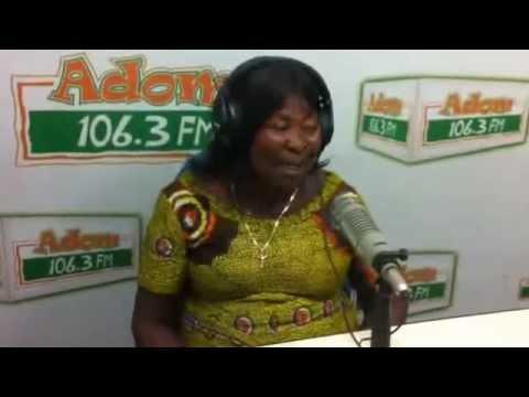Akua Donkor in Adom FM studio (1)