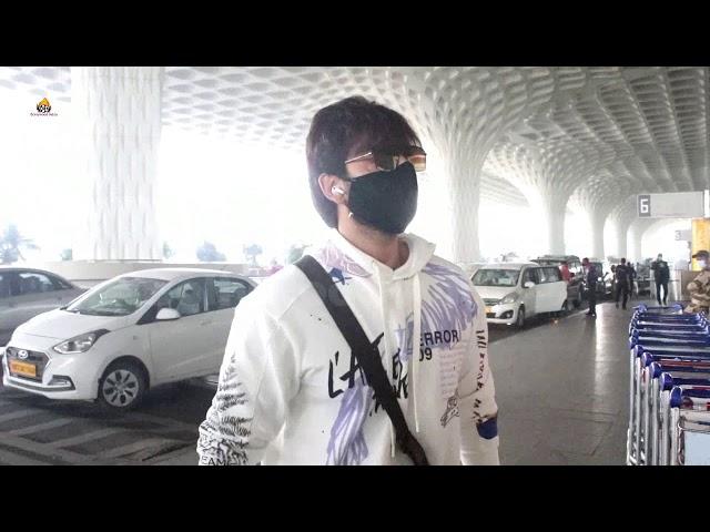 Himansh Kohli Spotted At Airport