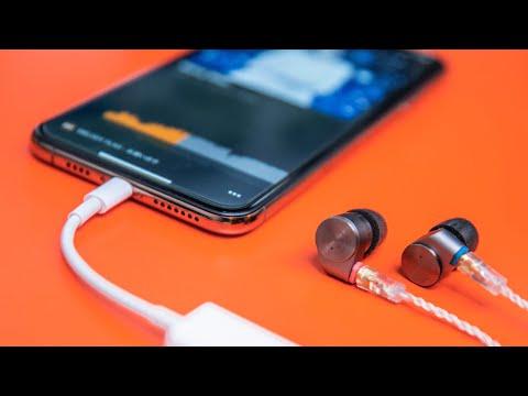 "Ken ""Fixed"" The iPhone Headphone Jack..."