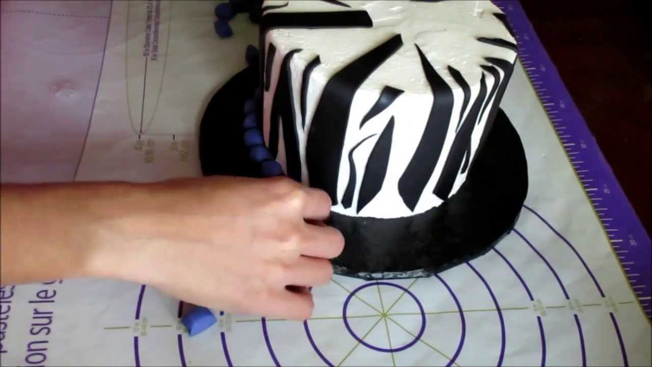 Pictures Of Zebra Fondant Cakes
