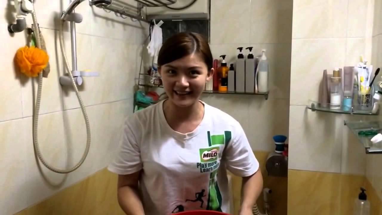 ALS Ice Bucket Challenge By Cute Girl - Must Watch