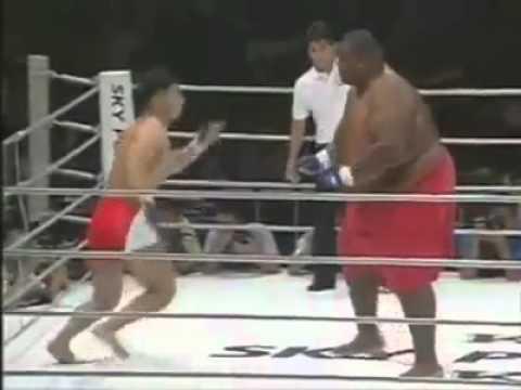 Little Kid Fights Midget