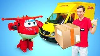 Машинка Брудер МЕРСЕДЕС! Доставка вантажів іграшок з мультиків. Ігри для дітей