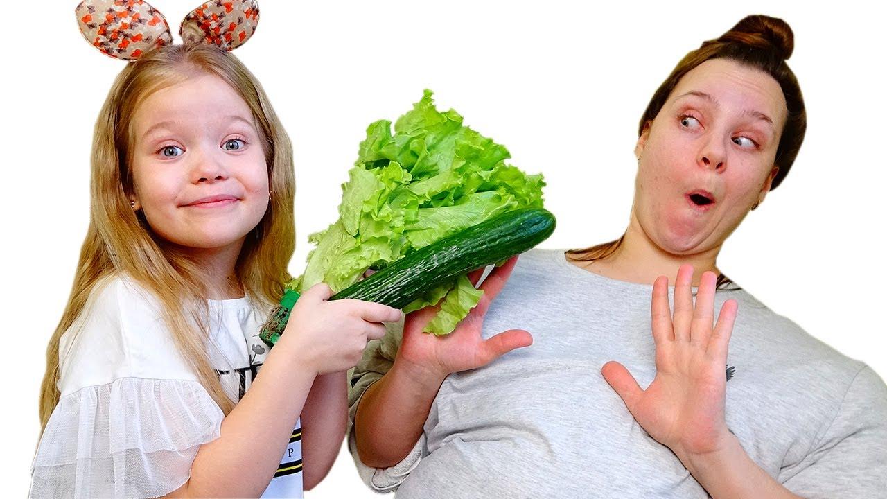 Лера учит маму правильно питаться