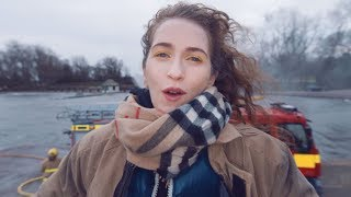 Смотреть клип Rae Morris - Someone Out There