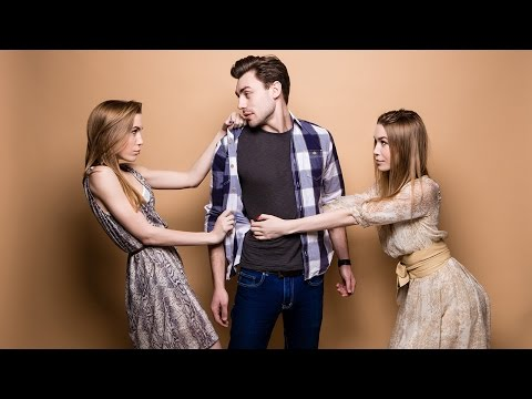 How To Handle The '2 Girls 1 Guy'  Situation
